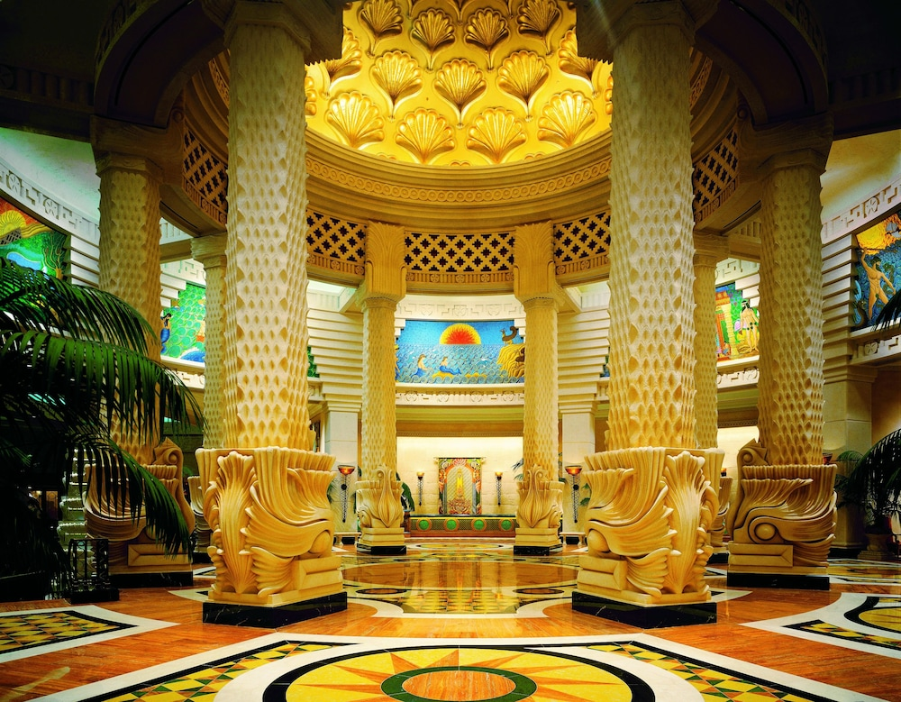 더 로얄 앳 애틀랜티스, 오토그래프 컬렉션(The Royal at Atlantis, Autograph Collection) Hotel Image 1 - Lobby
