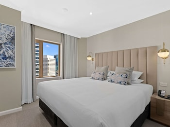 Premium Apartment, 1 King Bed, City View