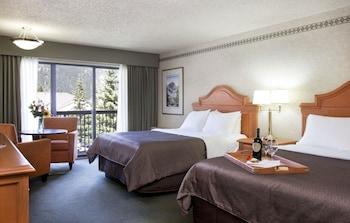 Superior Room, 2 Queen Beds, City View