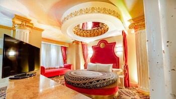 Roman Theme Room