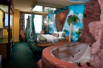Polynesian Family Theme Room