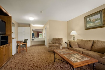 Suite, 1 King Bed with Sofa bed, Non Smoking