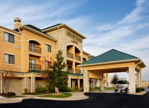 . Courtyard by Marriott Springfield Airport