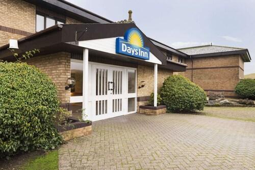 . Days Inn by Wyndham Abington M74
