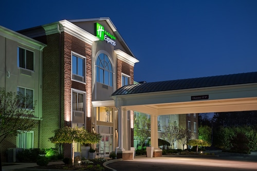 . Holiday Inn Express & Suites Youngstown N (Warren/Niles), an IHG Hotel