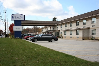 Hotel - Lexington Inn & Suites Windsor