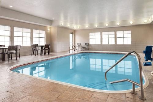. Residence Inn by Marriott Kansas City Independence