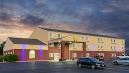 Super 8 by Wyndham Ottawa