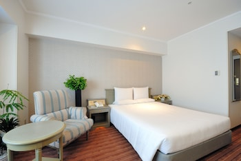 Standard Single Room, 1 Queen Bed, Non Smoking