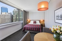 North Sydney CBD View Queen Room