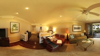 Ocean Villa 4 BR (Additional 1-time cleaning fee $403 and resort fee $87 per night due at property)