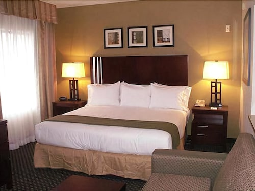 Holiday Inn Express Hotel & Suites Indianapolis East, Marion
