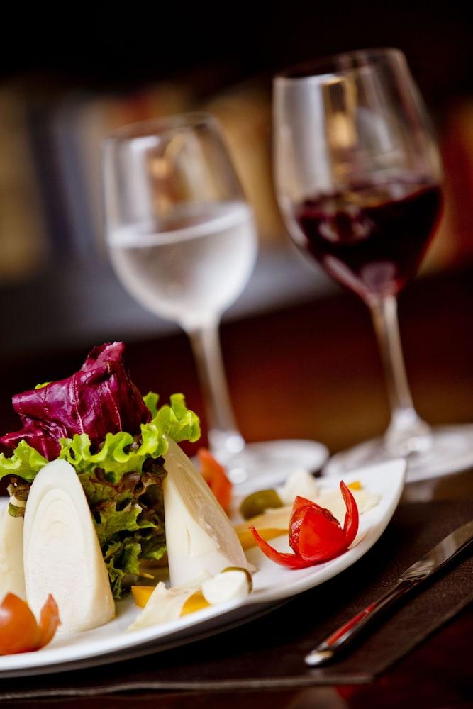 페르가몬 매니지드 바이 아코르호텔(Pergamon Managed By Accorhotels) Hotel Image 55 - Food and Drink