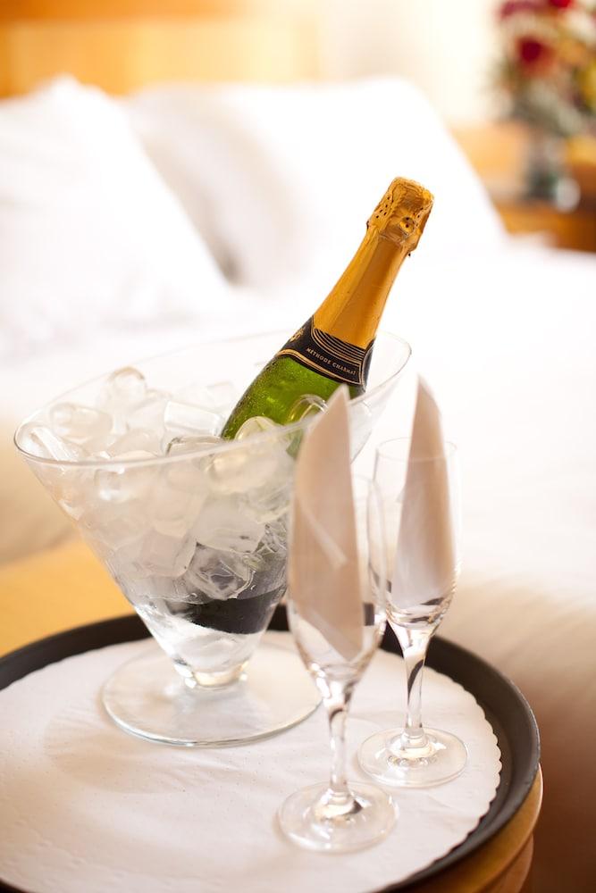 페르가몬 매니지드 바이 아코르호텔(Pergamon Managed By Accorhotels) Hotel Image 36 - Room Service - Dining