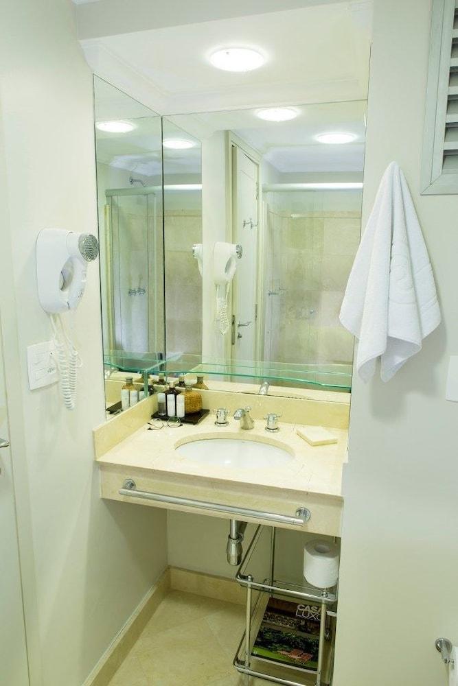 페르가몬 매니지드 바이 아코르호텔(Pergamon Managed By Accorhotels) Hotel Image 78 - Bathroom