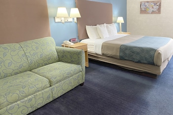 Room, 1 King Bed and King Futon