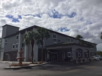 北拿波爾斯波尼塔泉溫德姆戴斯套房飯店 Days Inn & Suites by Wyndham Bonita Springs North Naples