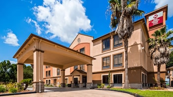 貝斯特韋斯特普勒斯北休斯敦套房飯店 Best Western Plus North Houston Inn & Suites