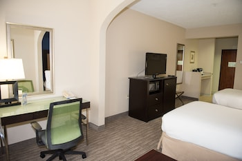 Deluxe Room, 2 Double Beds, Accessible, Bathtub (Mobility)