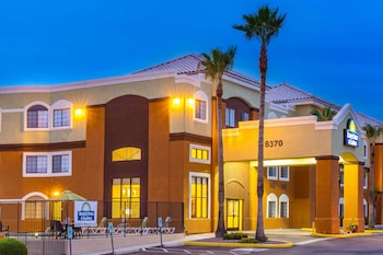 Days Inn & Suites by Wyndham Tucson/Marana