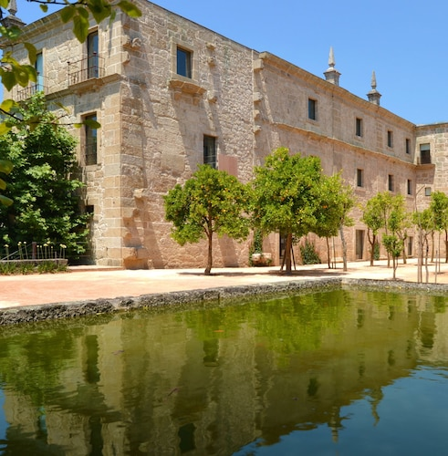 . Pousada Mosteiro de Amares