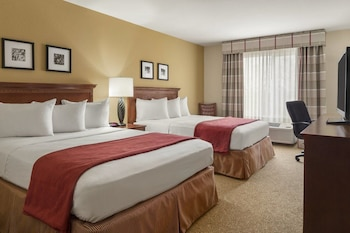 Norwood Inn & Suites - Roseville
