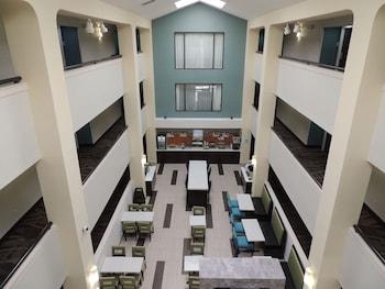 Holiday Inn Express & Suites Birmingham Trussville photo