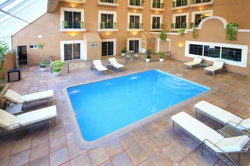 . iStay Hotel Ciudad Victoria