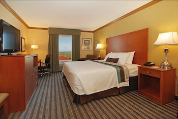 Suite, 1 King Bed, Non Smoking, Ocean View