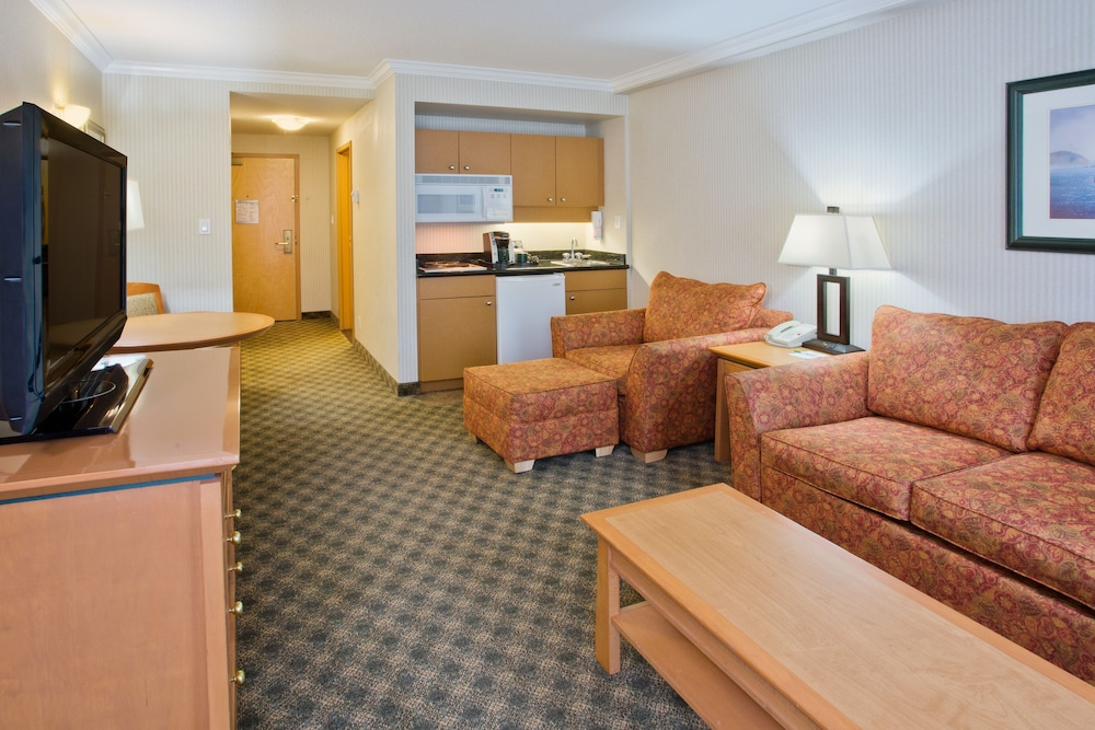 ホリデイ・イン ホテル & スイーツ ノース バンクーバー  イHG ホテル
