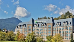 Holiday Inn Hotel & Suites North Vancouver, an IHG Hotel