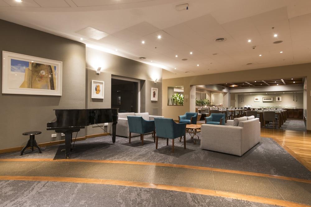 https://i.travelapi.com/hotels/1000000/480000/477600/477592/2e5bd19b_z.jpg