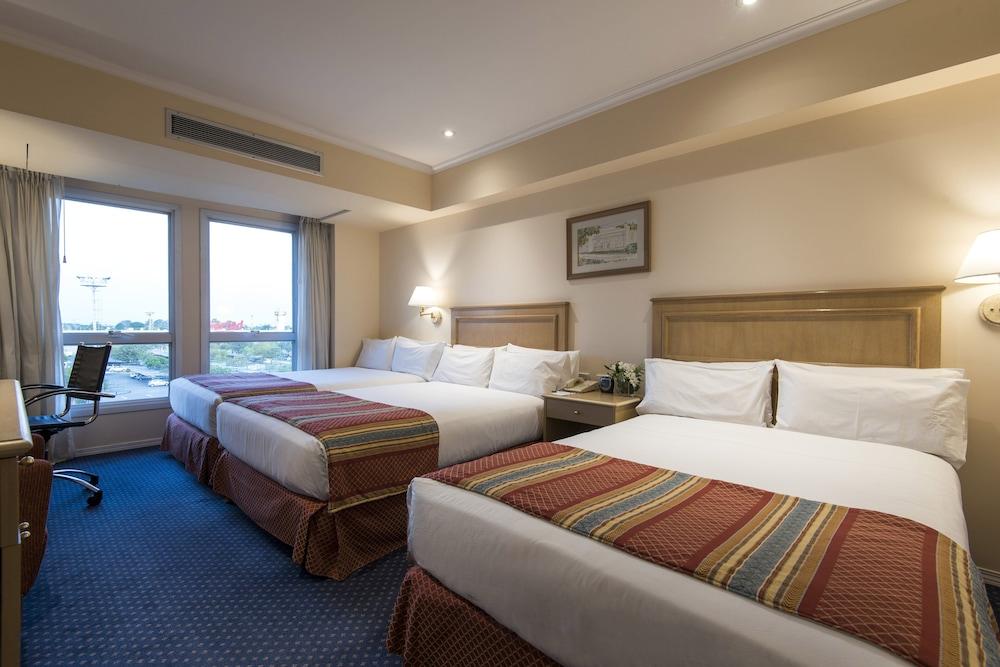 https://i.travelapi.com/hotels/1000000/480000/477600/477592/978fa0bf_z.jpg