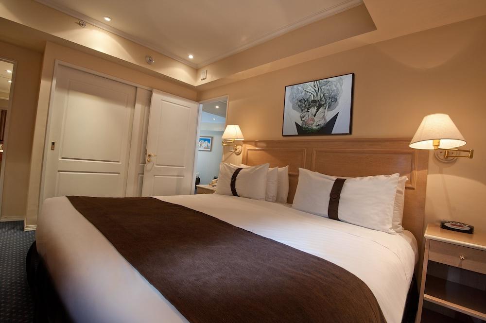 https://i.travelapi.com/hotels/1000000/480000/477600/477592/be8866cf_z.jpg