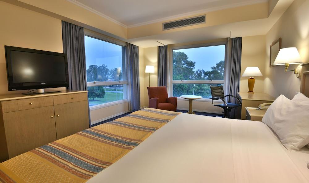 https://i.travelapi.com/hotels/1000000/480000/477600/477592/f7b5e732_z.jpg