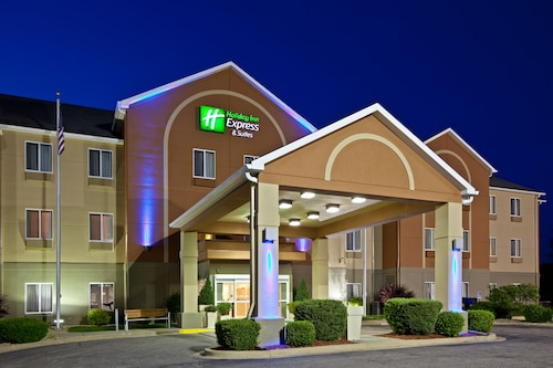 . Holiday Inn Express Hotel & Suites Bedford, an IHG Hotel