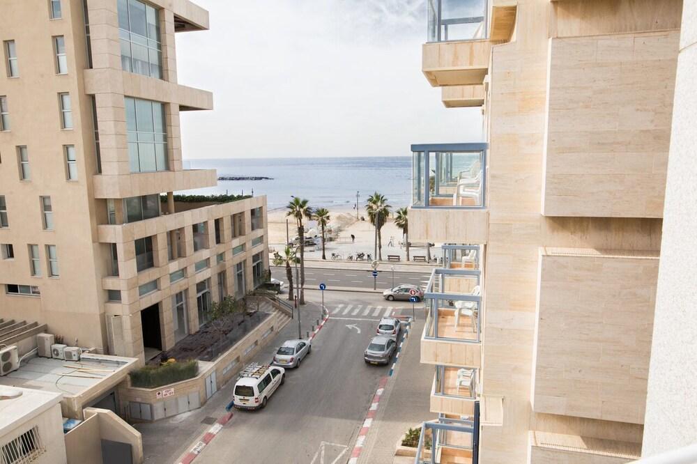 The Savoy Tel Aviv Sea Side İsrail