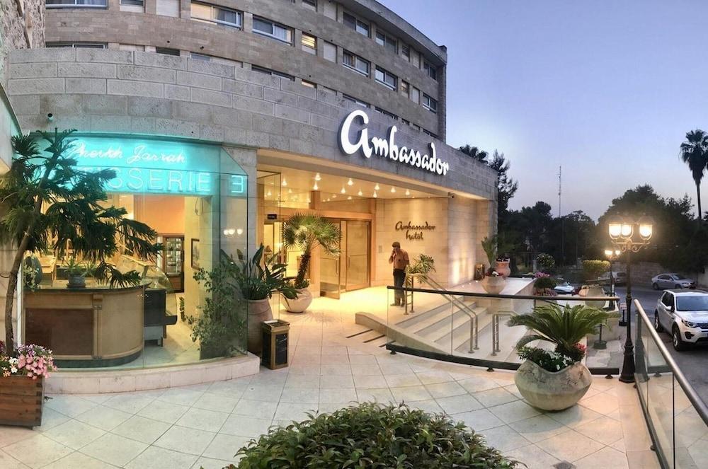 Ambassador Hotel, Imagen destacada