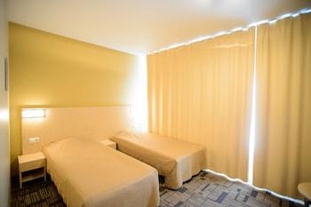 Business Tek Büyük Veya İki Ayrı Yataklı Oda