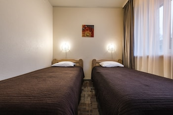 Economy Triple Room with Gym access
