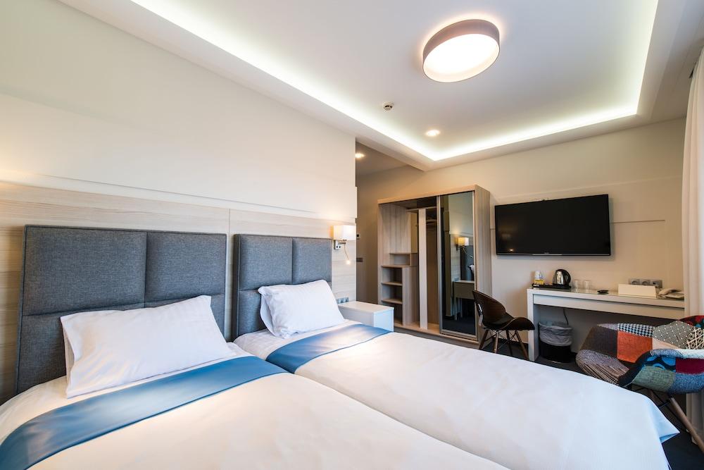유로파 시티 암리타 호텔