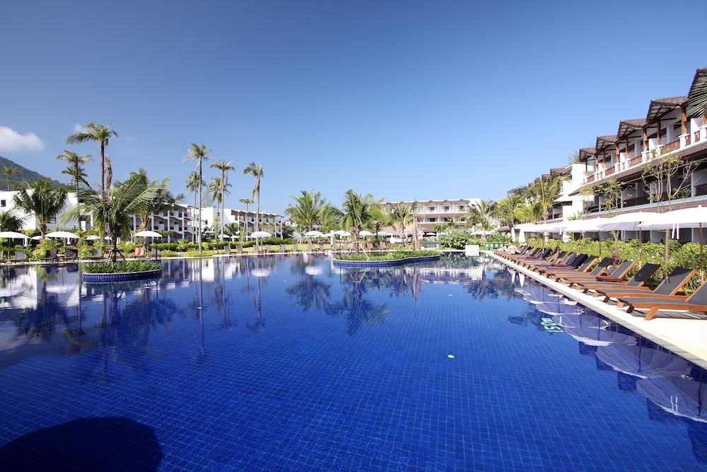 https://i.travelapi.com/hotels/1000000/480000/478900/478899/01038760_z.jpg