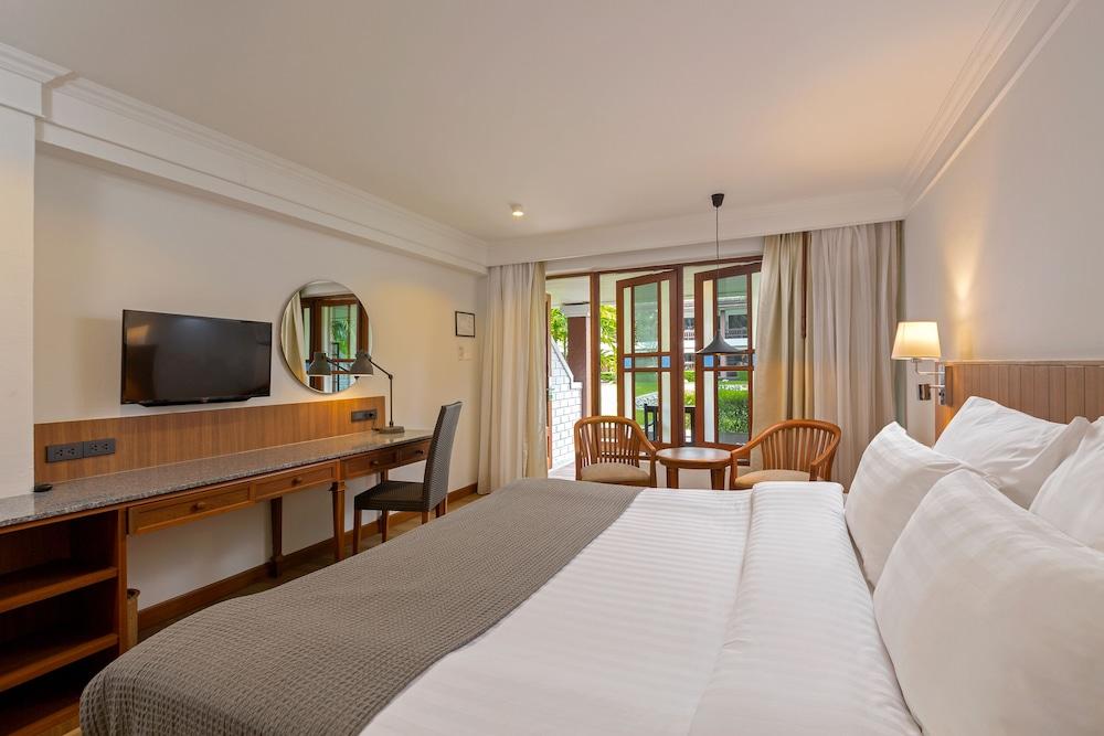 https://i.travelapi.com/hotels/1000000/480000/478900/478899/0446b14a_z.jpg