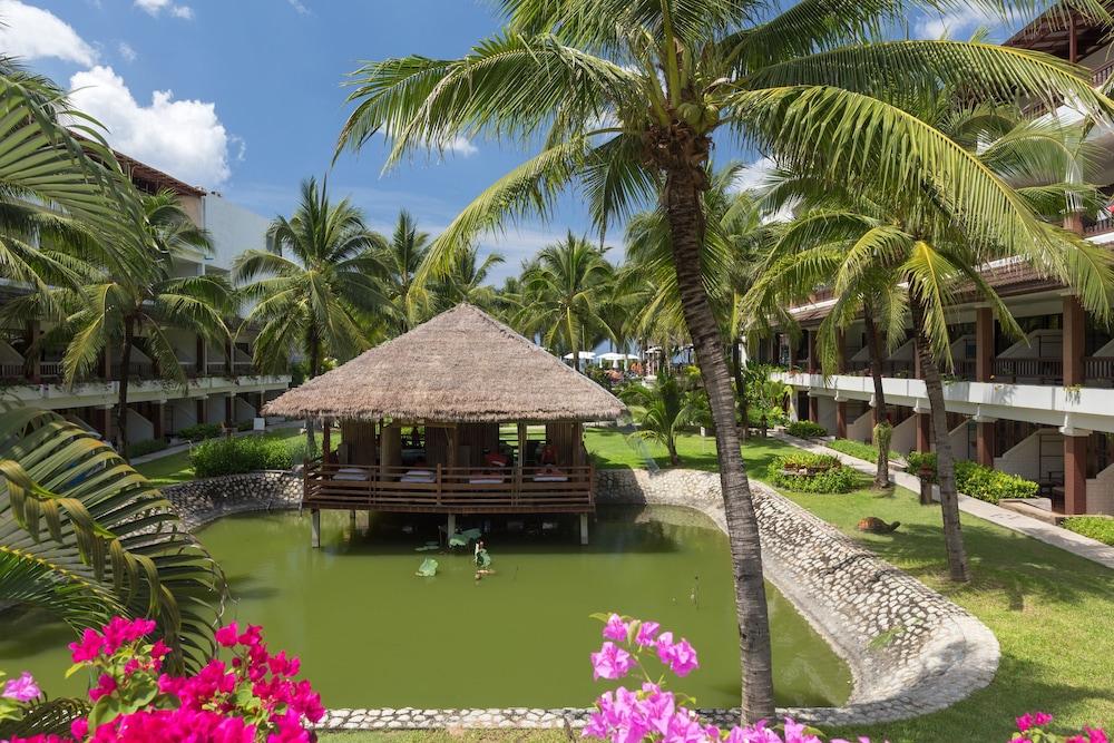 https://i.travelapi.com/hotels/1000000/480000/478900/478899/406c6876_z.jpg
