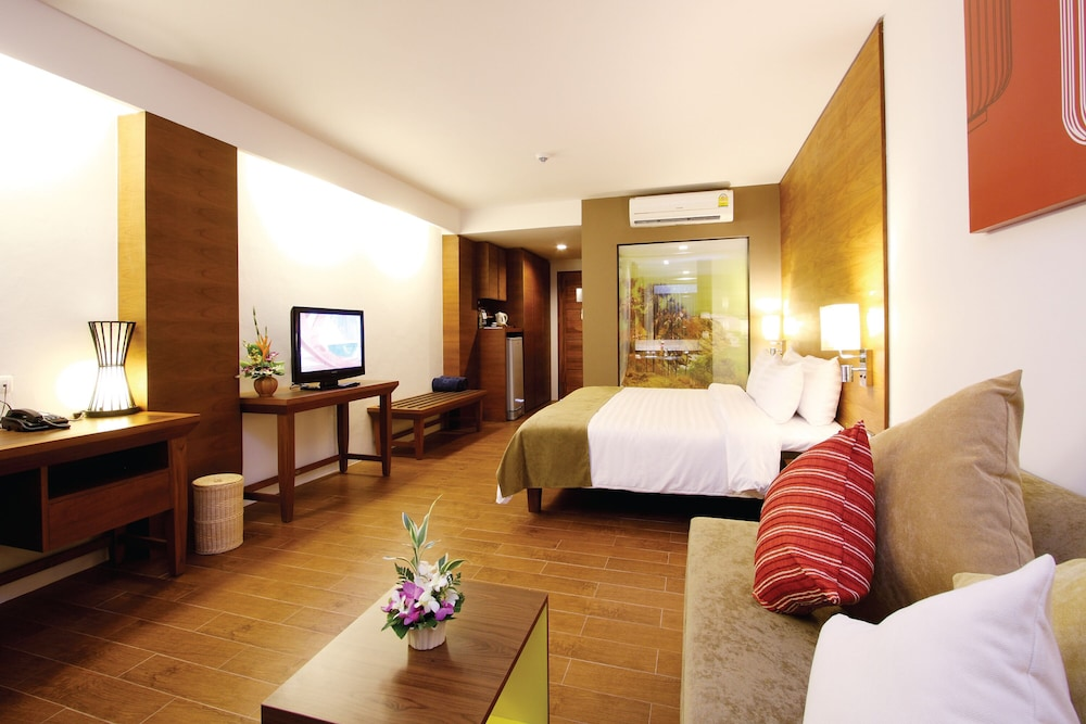 https://i.travelapi.com/hotels/1000000/480000/478900/478899/46431e61_z.jpg