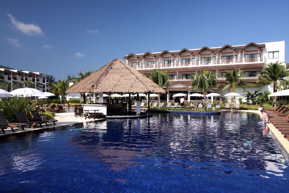 https://i.travelapi.com/hotels/1000000/480000/478900/478899/88904507_z.jpg