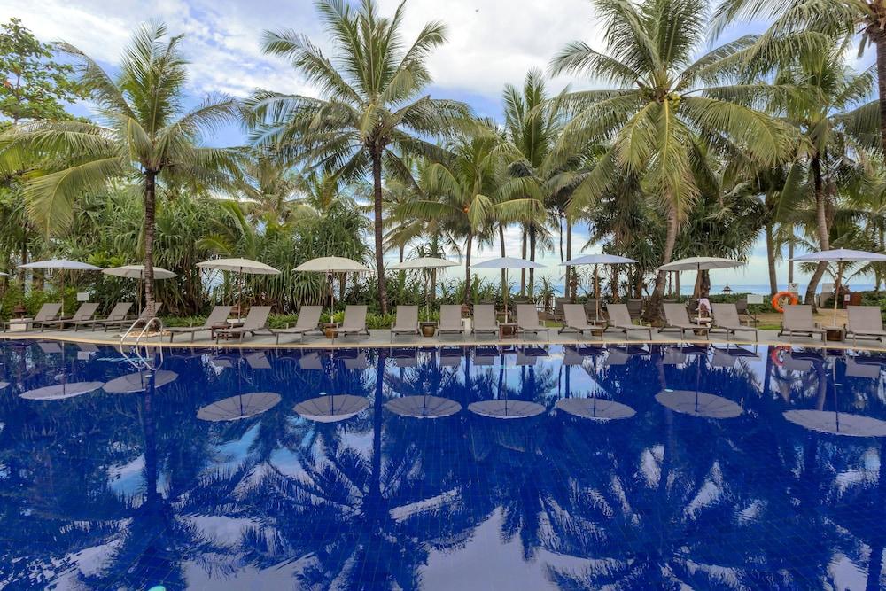 https://i.travelapi.com/hotels/1000000/480000/478900/478899/8c3e8fcc_z.jpg
