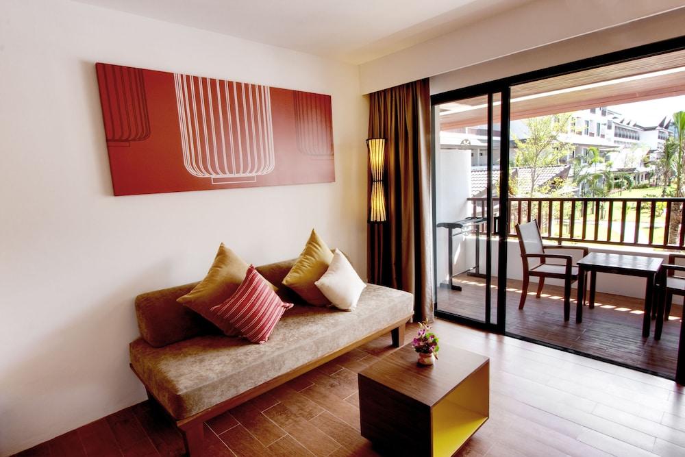 https://i.travelapi.com/hotels/1000000/480000/478900/478899/b36c5a1a_z.jpg
