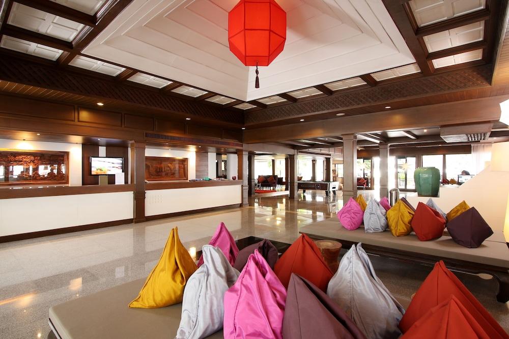 https://i.travelapi.com/hotels/1000000/480000/478900/478899/c9bd7394_z.jpg