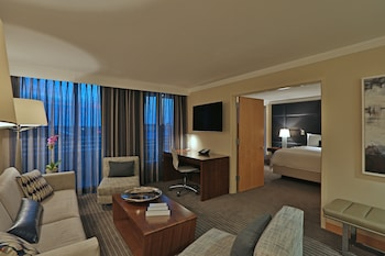 Executive Suite, 1 King Bed (Junior)